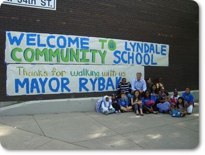 lyndale_walking_school_bus_and_rybak_group_photo.JPG